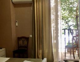 სასტუმრო საბურთალოზე ფასი 60 ლარიდან ტელ:557 99 00 45